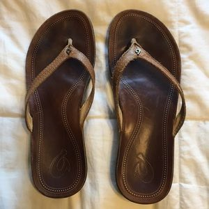 OluKai Ola Wedge Leather Flip Flops
